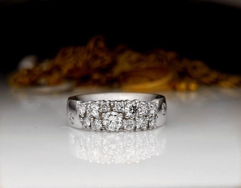 Vanhat korut timantteineen kiertoon